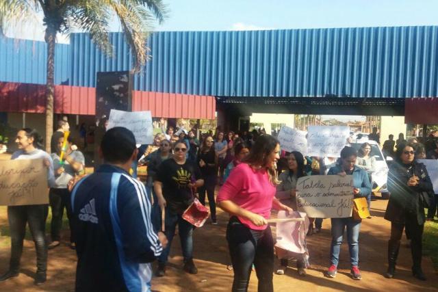 Professores e técnicos administrativos deflagraram greve na Educação por tempo indeterminado. - Crédito: Foto:  Gracindo Ramos/Simted