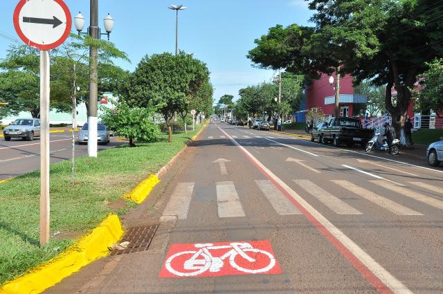 Usuários do trânsito de Dourados devem estar atentos às regras no dia do revezamento. - Crédito: Foto: Assecom