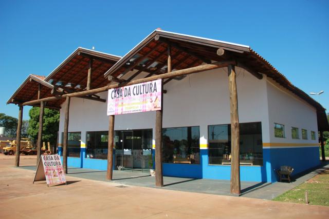 "Prefeitura de Ivinhema realiza ""Dia D"" no distrito de Amandina para entrega de obras. - Crédito: Foto: Paulo César"