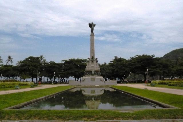 Monumento aos Heróis de Laguna e Dourados, na Praia Vermelha, é um dos conjuntos esculturais mais imponentes da cidade do Rio de Janeiro. É uma homenagem aos soldados mortos. - Crédito: Foto: Divulgação