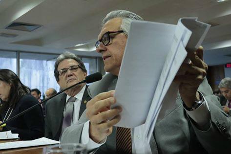 Senador diz que Incra foi extinto após desvio de R$ 41 milhões -