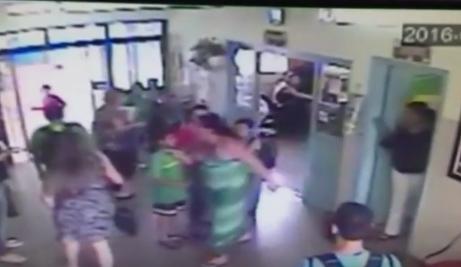 Professora é agredida por mãe de aluno em escola da capital - Crédito: Foto: Câmera de segurança da escola