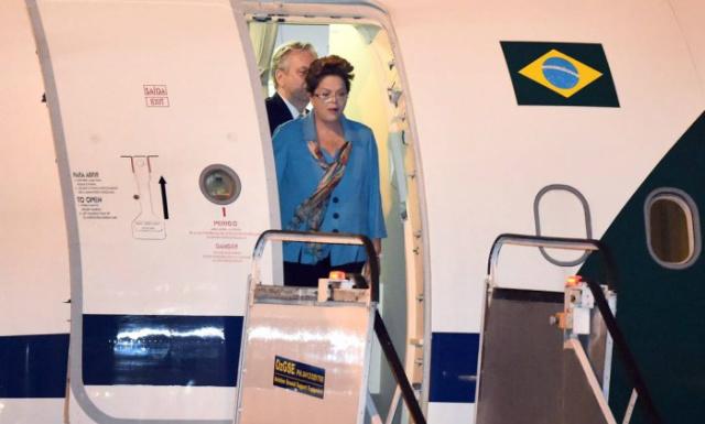 'Vaquinha virtual' para pagar voos de Dilma já bateu metade da meta -