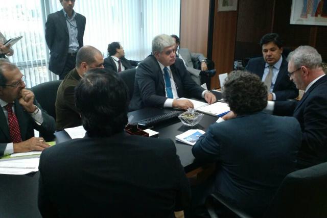 Marun tratou com ministro a liberação de recursos para hospital. - Crédito: Foto: Divulgação