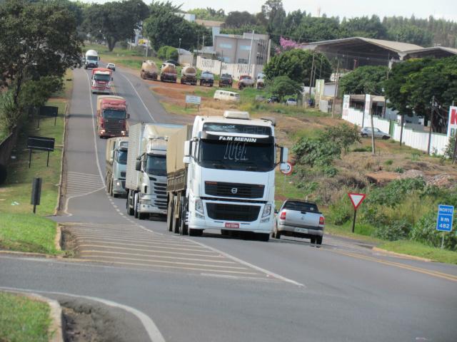 BR-163, no trecho que corta Campo Grande, terá pesquisa. - Crédito: Foto: Elvio Lopes