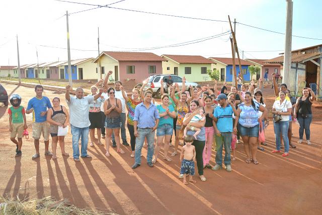 Mutuários prometem onda de protestos caso  a Caixa não entregue  casas até 15 de agosto. - Crédito: Foto: Marcos Ribeiro