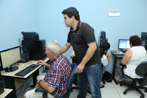 No CCI do Parque I idosos aprendem informática do Qualifica Dourados – A. Frota  -