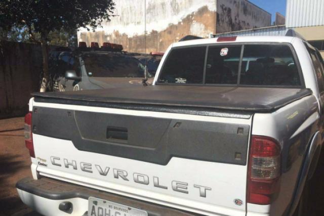 A caminhonete S10 tomada em assalto foi recuperada. - Crédito: Foto: Divulgação