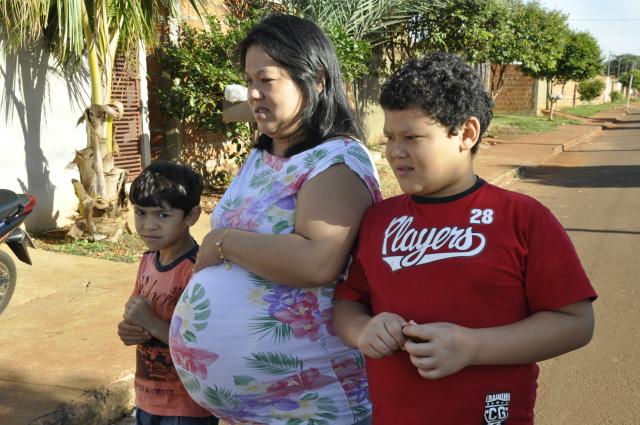 Márcia está aliviada este ano com a greve pois está de licença-maternidade e pode cuidar dos filhos. - Crédito: Foto: Hedio Fazan