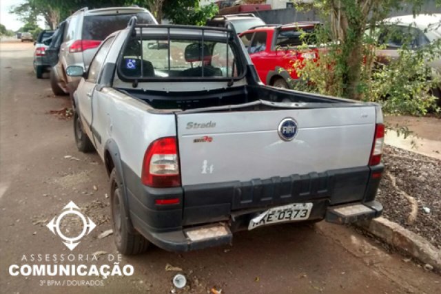 A droga estava no veículo Fiat Strada com placas Rio Verde. - Crédito: Foto: Divulgação