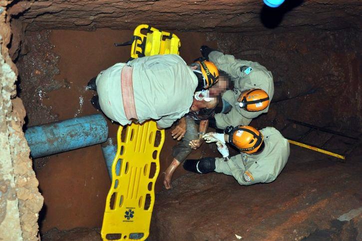 Idoso foi socorrido pelo Corpo de Bombeiros. - Crédito: Foto: Vicentina Online