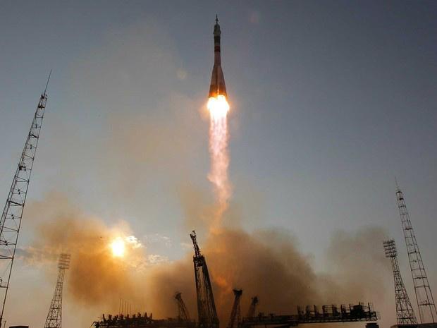 Soyuz parte para a ISS - Crédito: Foto: Dmitri Lovetsky / AP Photo