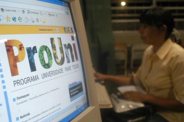 Estudantes têm até amanhã para aderir à lista de espera do ProUni -