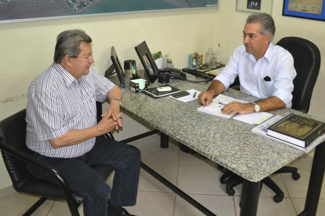 O vice da Assembleia, deputado Onevan de Matos e o governador Reinaldo Azambuja. - Crédito: Foto: Divulgação