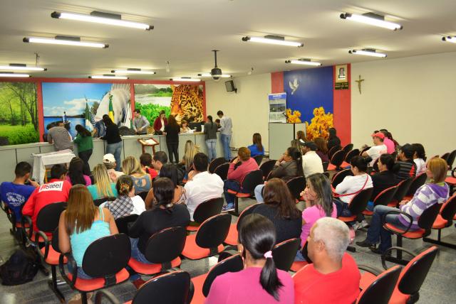 A assinatura dos contratos das famílias contempladas aconteceu na semana passada na cidade. - Crédito: Foto: Divulgação