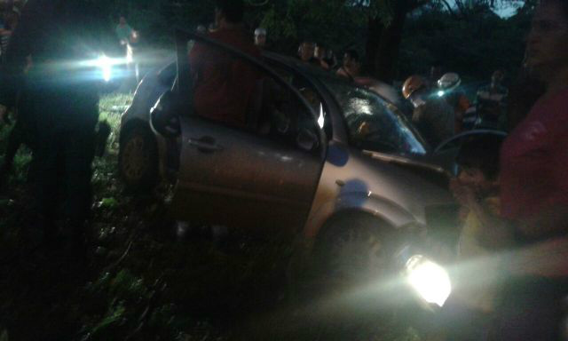 Com o impacto uma mulher passageira não resistiu e morreu Foto: Tudo do MS/ Divulgação -