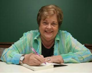 Escritora espírita Suely Caldas Schubert. - Crédito: Foto: Reprodução