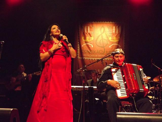 Com 52 álbuns gravados e um público exigente, Perla já vendeu 10 milhões de álbuns e já ganhou 10 discos de ouro, dois de platina - Crédito: Foto: Divulgação