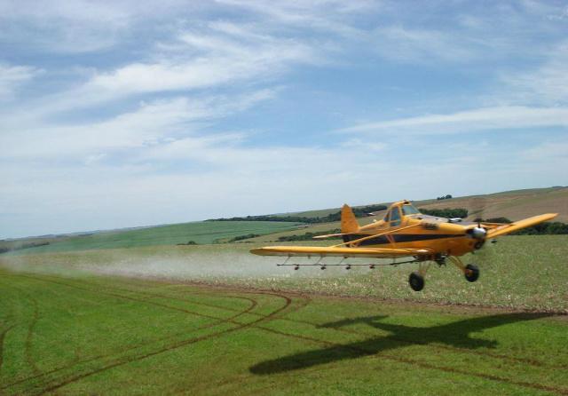 Fazendas vizinhas à Reserva devem cessar despejo de defensivos. - Crédito: Foto: Cenipa.aer.mil.br