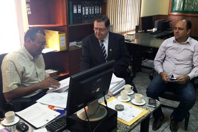 Ailton Stropa Garcia, em reunião na quarta-feira. - Crédito: Foto: Divulgação