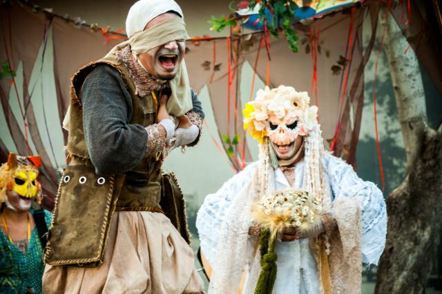 """""""A Casatória C'A Defunta"""" conta, de modo lúdico e divertido, as peripécias de quem já partiu desta vida para uma melhor e dos que ainda respiram por esses ares. - Crédito: Foto: Divulgação"""