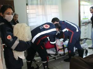 Mãe e filha foram atendidas pelo Samu em casa  - Crédito: Foto: Gabriela Pavão/ G1 MS
