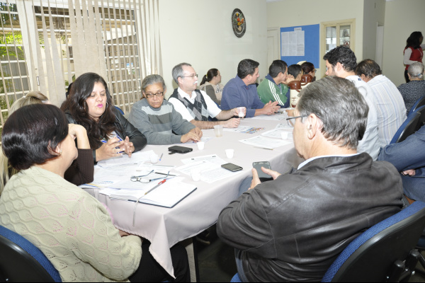 Reunião no Conselho Municipal de Saúde. Foto: Hédio Fazan -