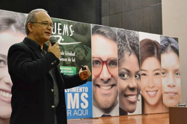 Professor fala de déficit tecnológico durante evento sobre Marco da CT&I -