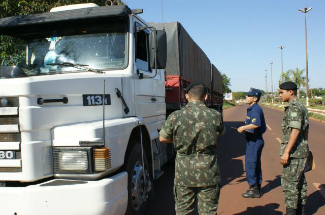 Exército Brasileiro desencadeou no mês passado e Operação Ágata, com cerca de 3 mil militares atuando nas fronteiras de Mato Grosso do Sul. - Crédito: Foto: Hédio Fazan