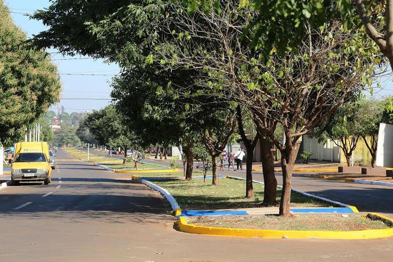 Avenida Vilso Gabiatti, no Terra Roxa Foto: A. Frota -