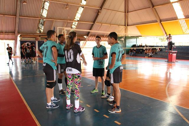 Professores de educação física atuam como técnicos das equipes. - Crédito: Foto: IFMS/Reprodução