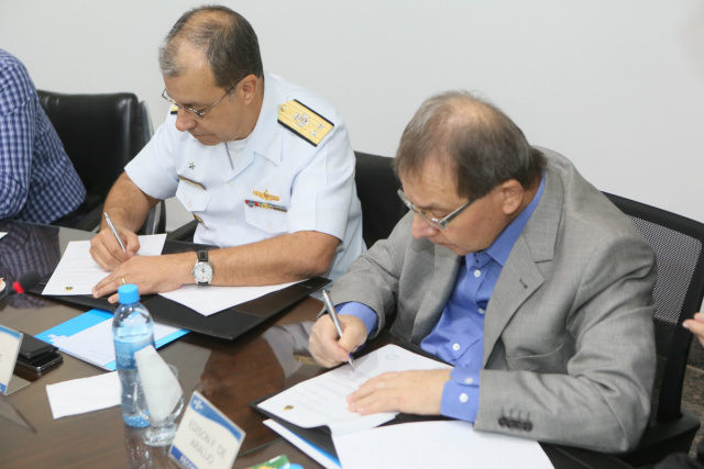 Sebrae e Marinha firmam acordo de compras públicas para estimular pequenos negócios -