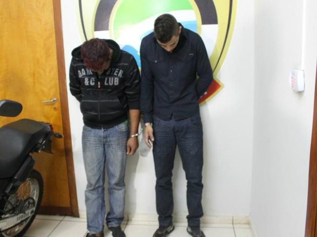 Dupla é presa por tentar matar jovens a tiros em praça da capital de MS - Crédito: Foto: Gabriela Pavão/ G1 MS