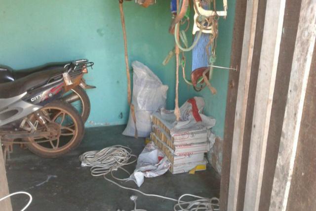 Autoridades encontram meia tonelada de maconha na casa. - Crédito: Foto: Cândido Figueiredo/ ABC Color