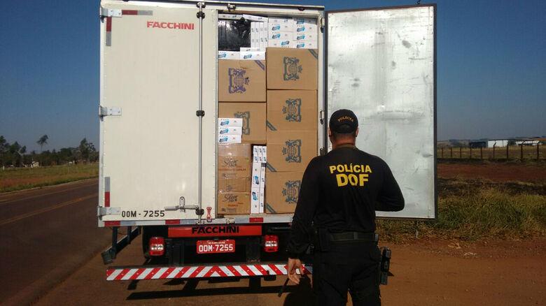 Polícia apreende caminhão lotado de eletrônicos e cigarros -