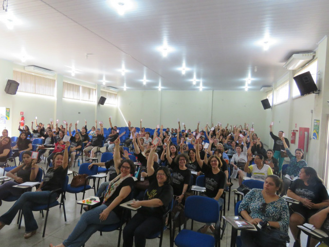 Educadores esperam por medidas concretas e esclarecimentos sobre a aplicação de recursos por parte da administração. - Crédito: Foto: Simted