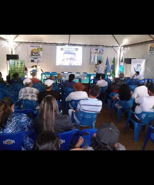 """O evento reuniu aproximadamente 200 pessoas no recinto do Centro Conviver """"Marcio Delai"""". - Crédito: Foto: Roney Minella"""