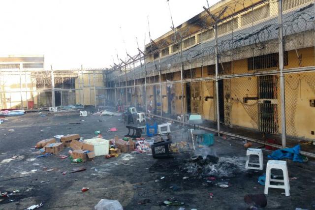 Presídio de Naviraí foi destruído pelos rebelados que queimaram colchões e petrechos por toda parte. - Crédito: Foto: Divulgação/Sinsap