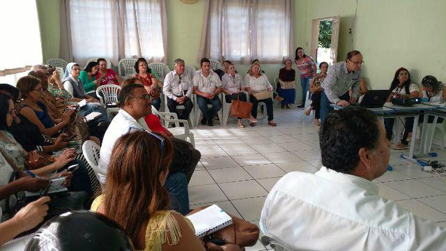 O encontro foi realizado na sede da Semec. - Crédito: Foto: Divulgação