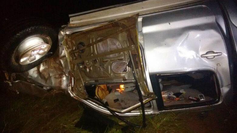 A vítima foi abandonada dentro do veículo - Crédito: Foto: Ta na Mídia Naviraí