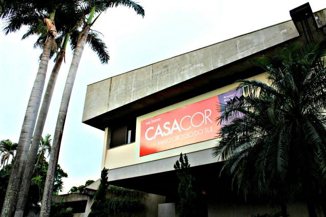 CASA COR MS recebe acadêmicos em visita técnica nas obras -