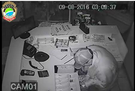 O acusado foi identificado através das câmeras de segurança da loja - Crédito: Divulgação