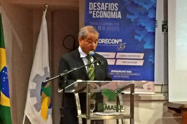 Presidente do Corecon MS, Thales de Souza Campos, na abertura do evento, nesta segunda - Crédito: Foto: Infinito Comunicação