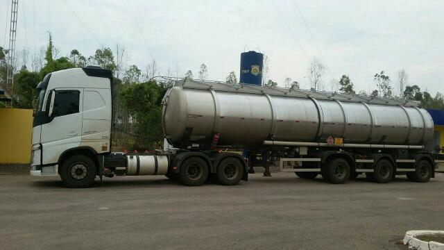 Ao ser abordado foi constatado que o veículo  transportava combustível sem Autorização Ambiental. - Crédito: Foto: Divulgação