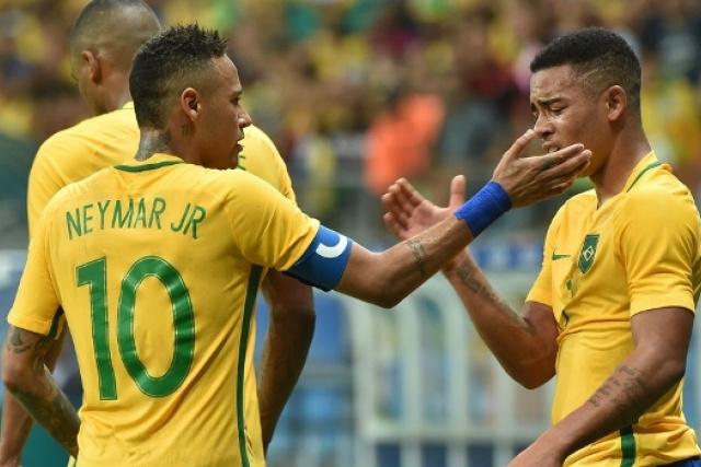 Brasil goleia Dinamarca e se classifica para as quartas no futebol masculino -