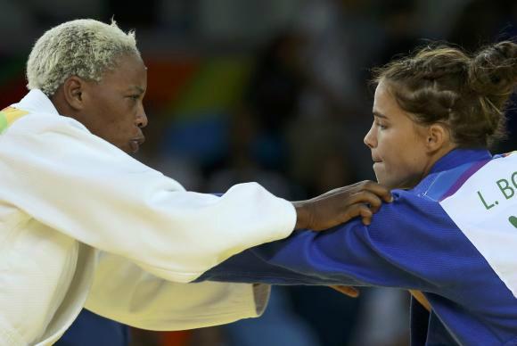 A judoca refugiada Yolande Bukasa enfrentou a israelense Linda Bolder - Crédito: Reuters/Toru Hanai/Direitos Reservados