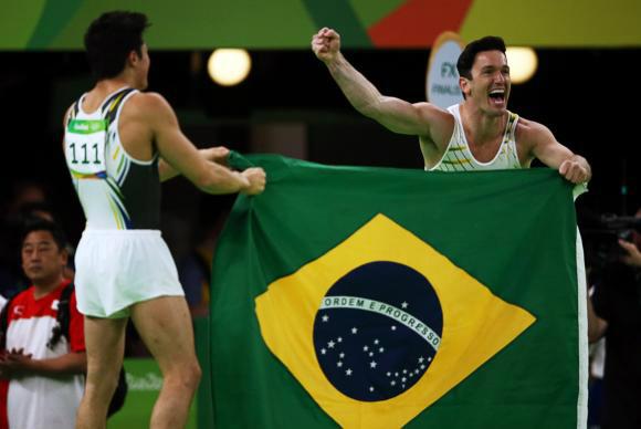Diego Hypolito e Nory são prata e bronze no solo individual da ginástica - Crédito: Reuters/Marko Djurica/Direitos Reservados