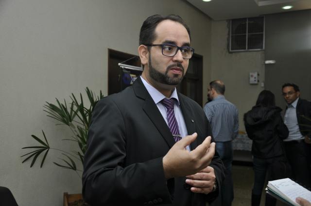 Valdir Pereira da Costa orienta o empreendedor a buscar informações técnicas na hora de montar o próprio negócio Foto: Hedio Fazan    -