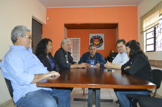 Lideranças de centrais sindicais de MS, reunidas na Força Sindical. -