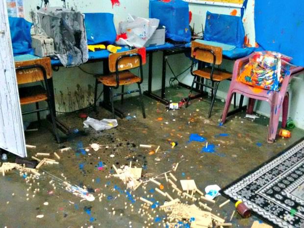 Escola pública em MS é invadida por vândalos -